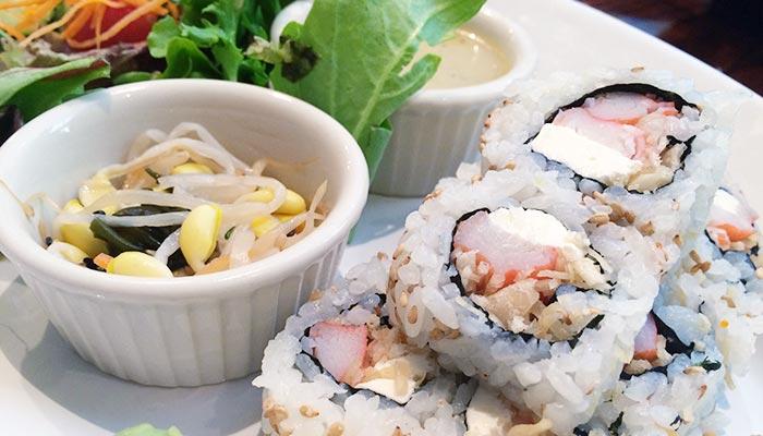 yuga-crab-rangoon-sushi-roll