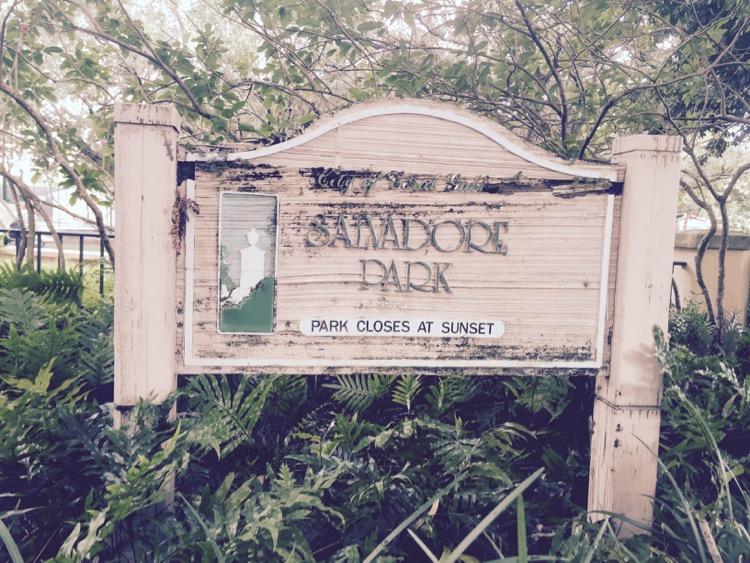 Salvador_park_sign