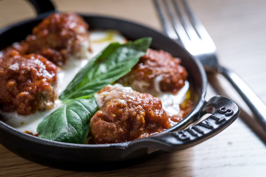 Bulla albondigas (meatballs)