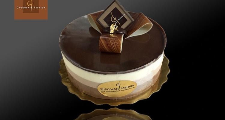 Chocolate Fashion French Bakery in Coral Gables Miami, Florida amazing special occasion birthday cake
