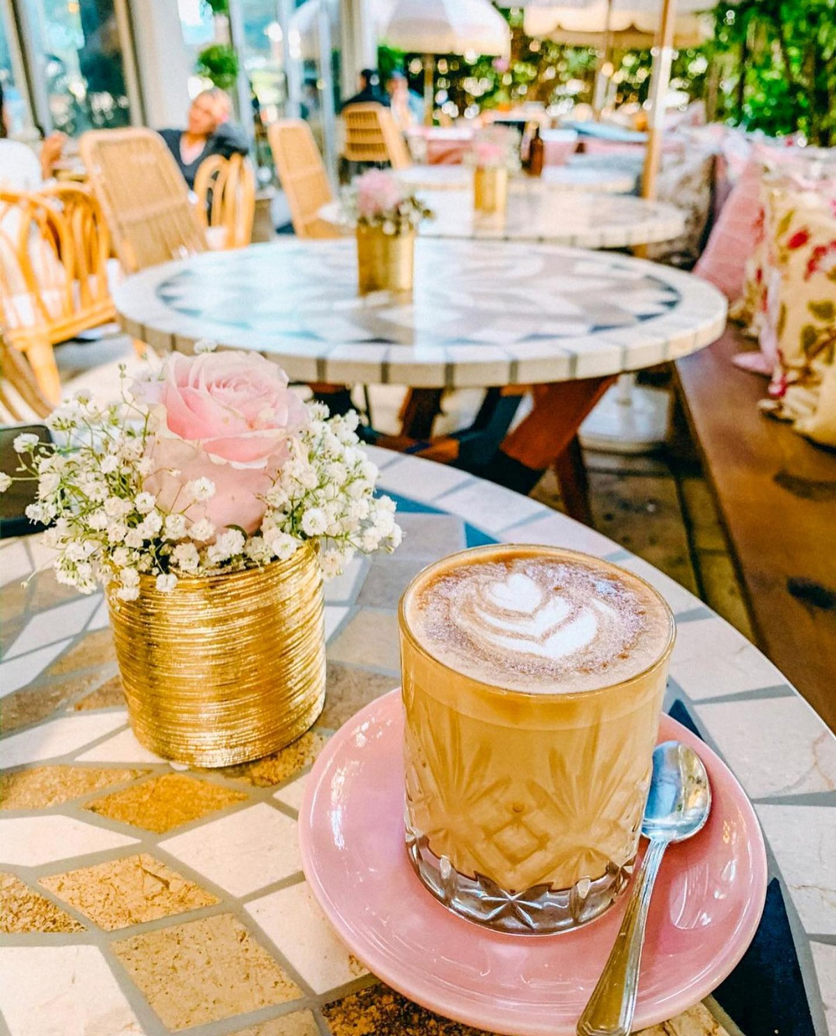Miami Brunch Hostspot Little Hen in Midtown Miami with Instagrammable location and food latte
