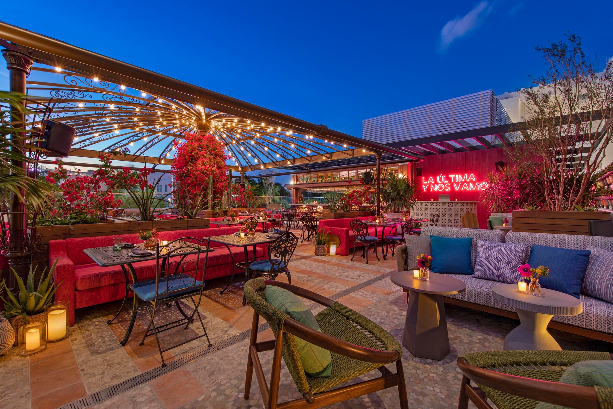 Best Rooftop Brunch in Miami - Serena Rooftop at Moxy Hotel South Beach